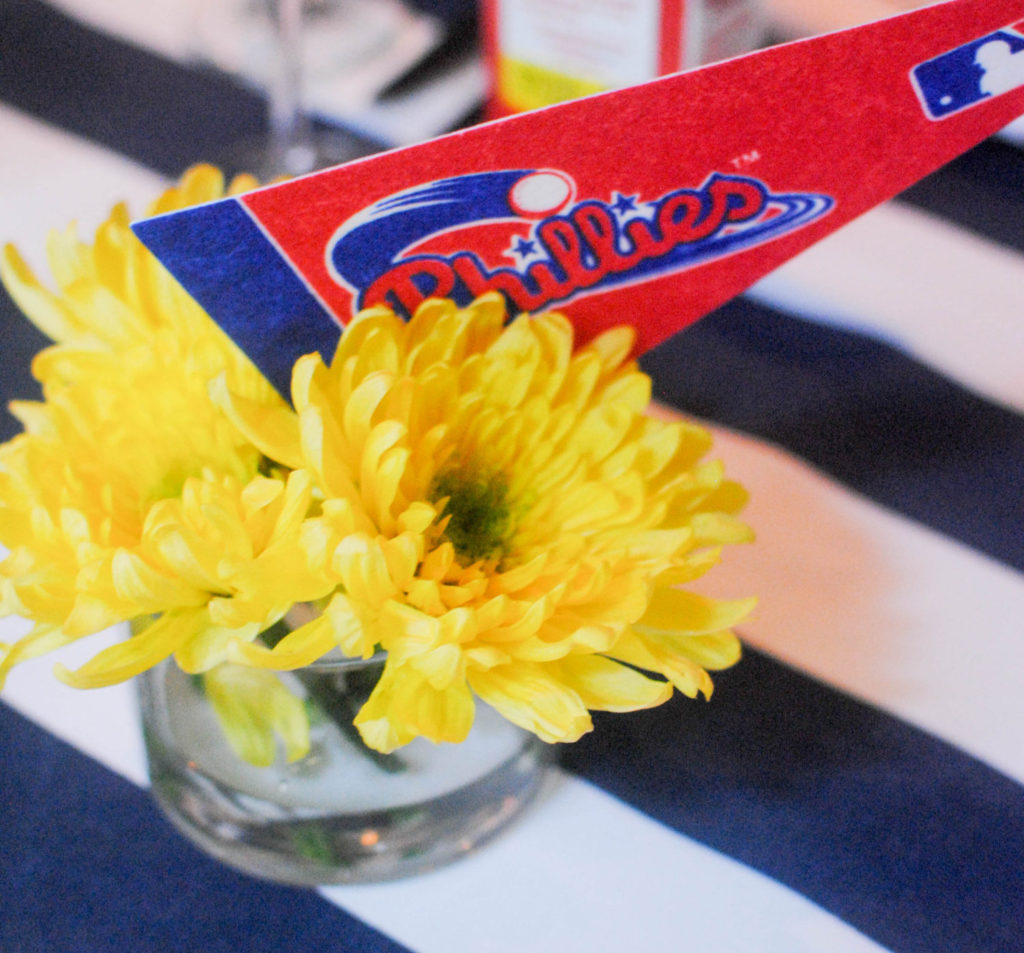 FLOWER WITH PENNANT